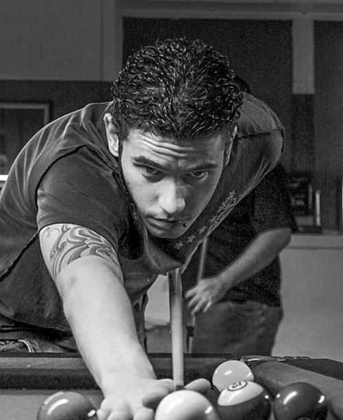home_billiard_player1