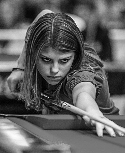 home_billiard_player3